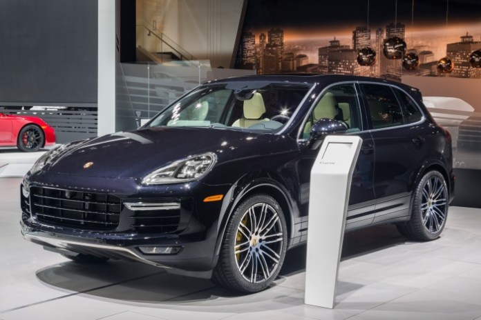 Porsche Cayenne Turbo S 2015 (1)