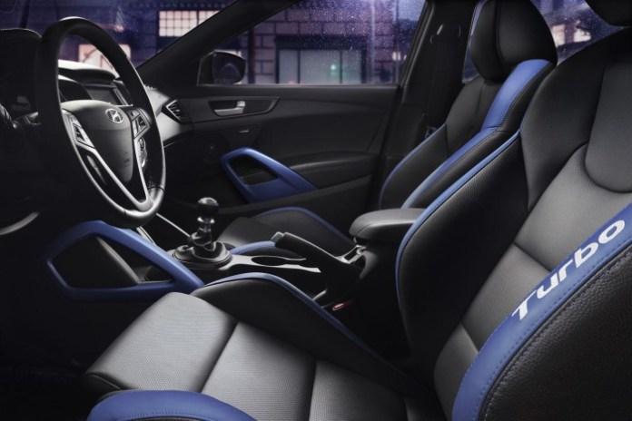 2016_Hyundai_Veloster_Rally_Edition06