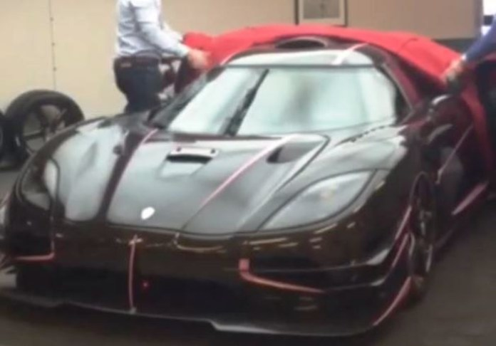 Carbon and Pink Koenigsegg One 1