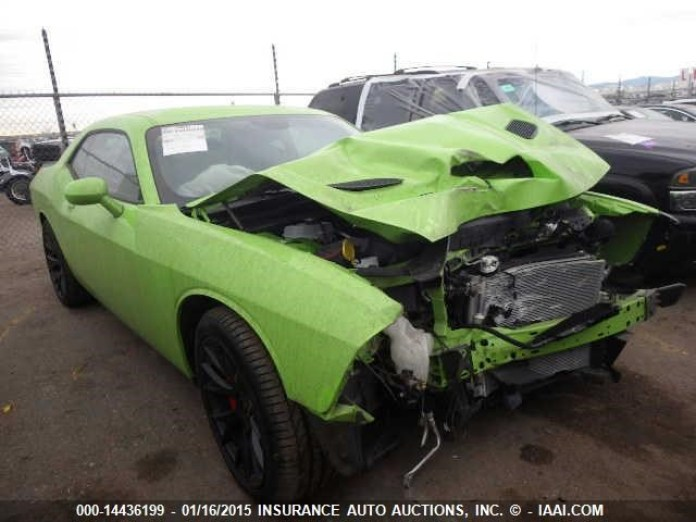 Dodge Challenger SRT Hellcat crashed (1)