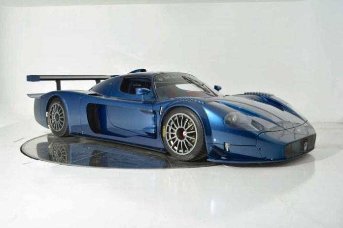 Maserati-MC12-Corsa-Blue-3-1050x701