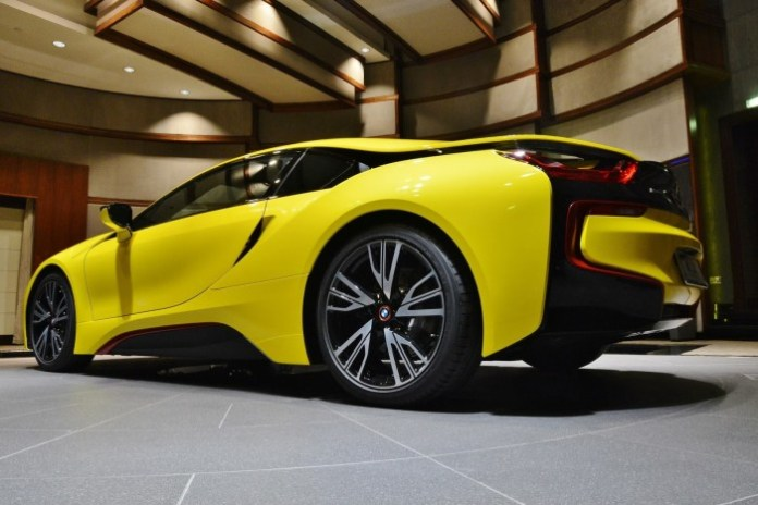 Yellow-BMW-i8-6