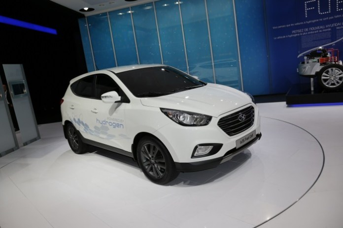 Hyundai ix35 FCEV Live in Paris 2012