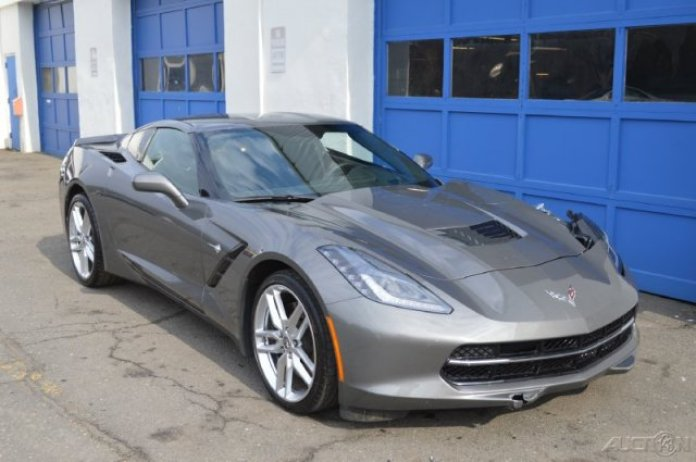 Chevrolet Corvette Stingray Z51 (1)