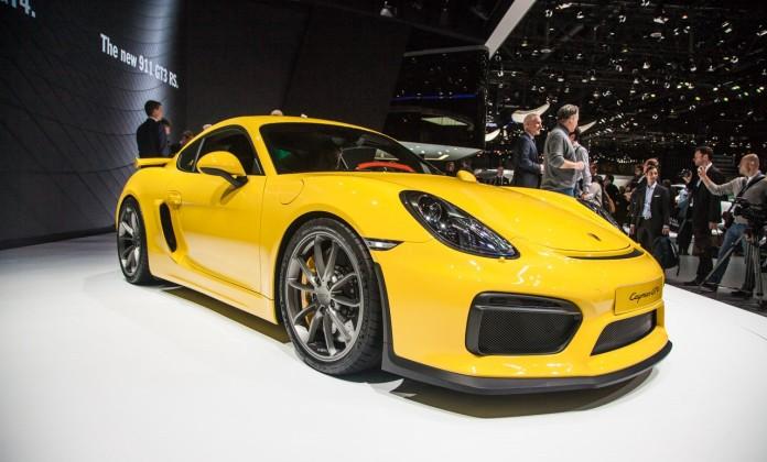 Porsche-Cayman-GT4-2386