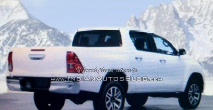 2016 Toyota Hilux Revo (2)