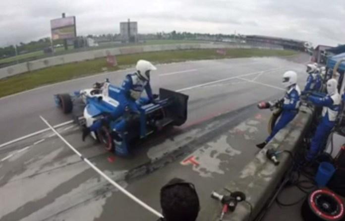 IndyCar pit stop
