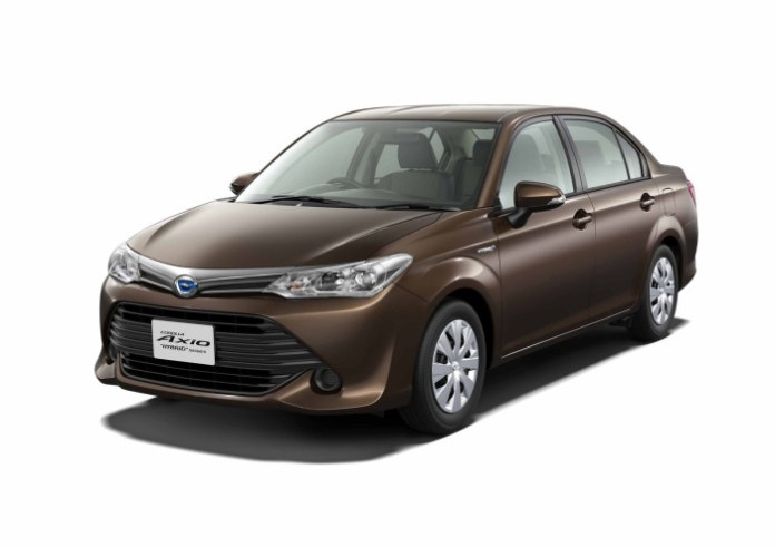 Toyota-Corolla-Axio-Hybrid-G-4