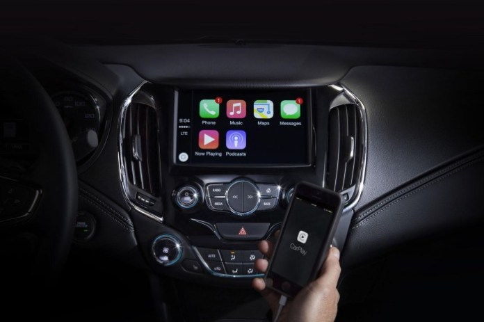 2016 Chevrolet Cruze Apple CarPlay (1)