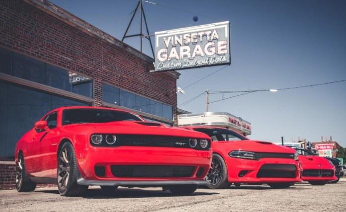 2015-Dodge-Challenger-SRT-Hellcat-and-2015-Dodge-Charger-SRT-Hellcat
