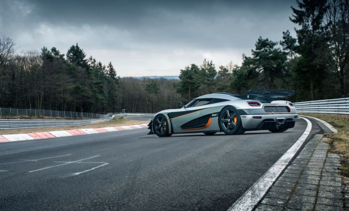 Koenigsegg-One1-on-ring
