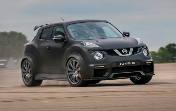 Nissan-Juke-R-20-10