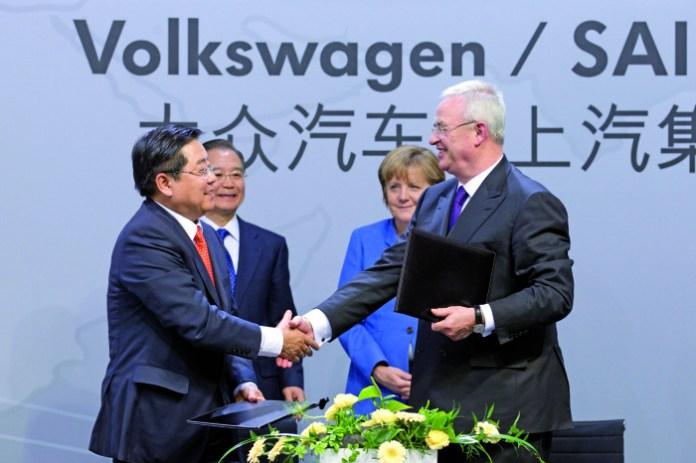 Volkswagen - Besuch von Bundeskanzlerin Angela Merkel und Chinas Regierungschef Wen Jiabao am Montag (23.04.2012) im VW-Werk in Wolfsburg (Germany). Photo: Volkswagen / Friso Gentsch