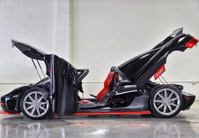floyd-mayweather-is-buying-two-koenigsegg-ccxr-one-is-the-trevita_2