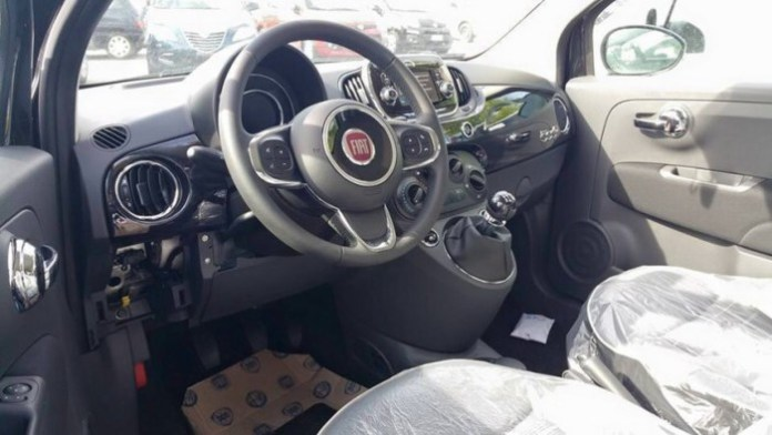 2016-Fiat-500-1