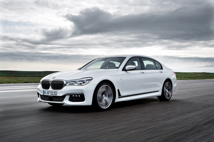 2016_BMW_7_Series_45