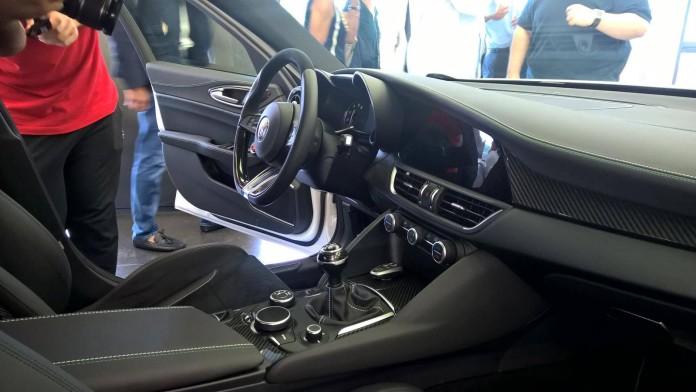 Alfa Romeo Giulia QV interior photos (1)