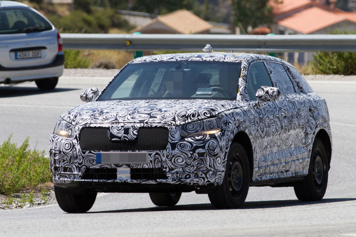 Audi Q1 2017 spy photos (2)