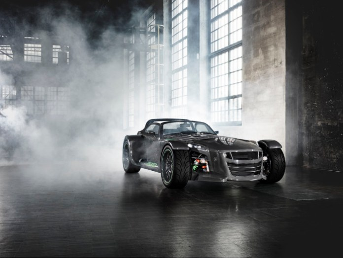 Donkervoort-D8-GTO-Bare-Naked-Carbon-Edition-groen-001