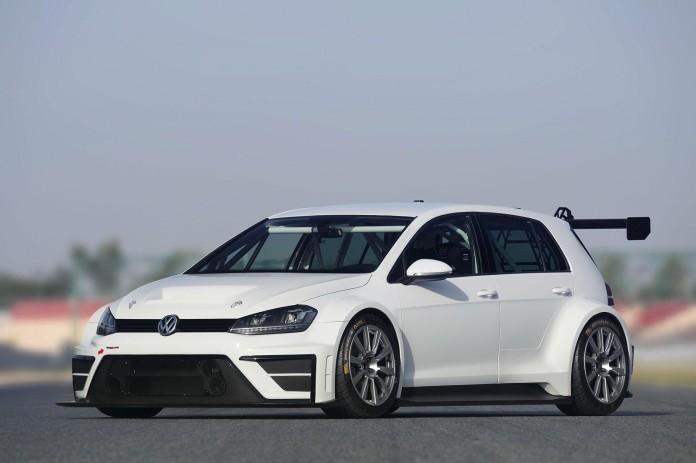 Volkswagen_Golf_race_car_02