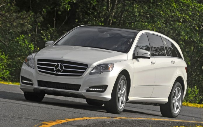 2011-mercedes-benz-r-class-front-left-angle-white-road