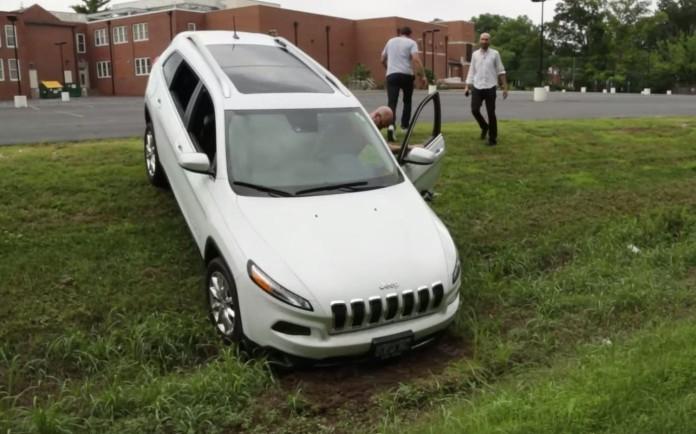 Jeep-Cherokee-696x434