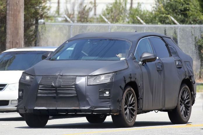 Lexus RX seven-seater spy (1)