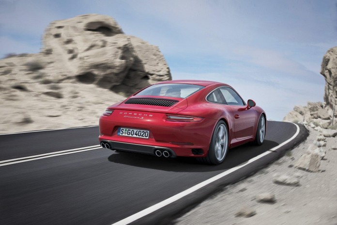 2016_Porsche_911_Carrera_facelift_09
