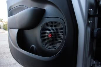 Fiat_500L_Beats_Edition_10