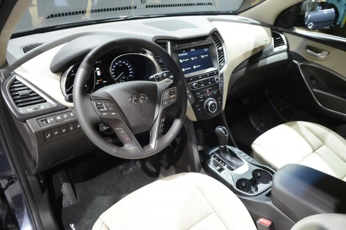 Hyundai Sante Fe (6)