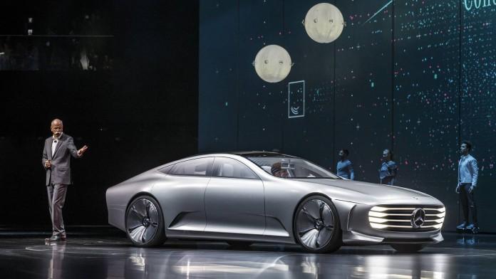 Mercedes-Benz-Concept-IAA-61