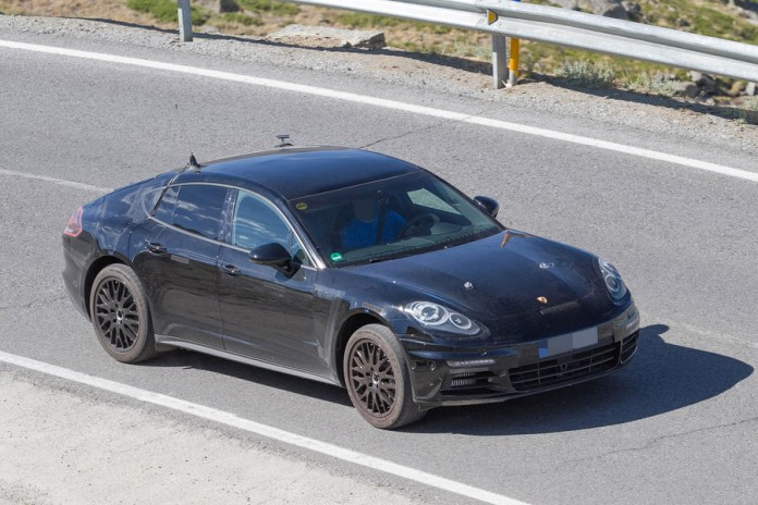 Porsche-Panamera-2016-Spy-Photos-15