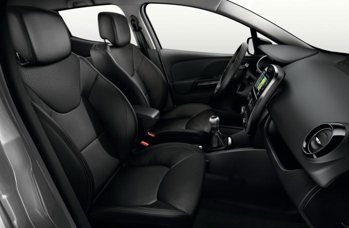 Renault-Clio-Iconic-12