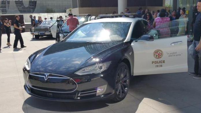 Tesla-BMW-i3-5