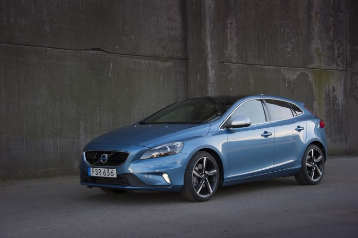 Volvo V40 and V40 Cross Country 1.5 T3 (4)