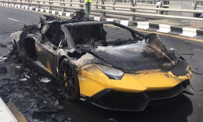 Yellow-Lamborghini-Aventador-burning