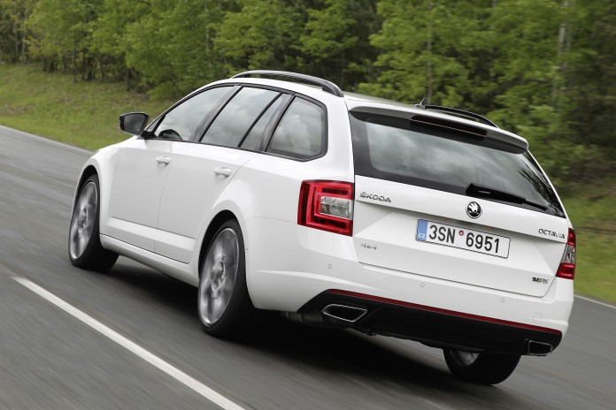 skoda-octavia-rs-now-available-with-awd-and-6-speed-dsg-gearbox_1 (1)