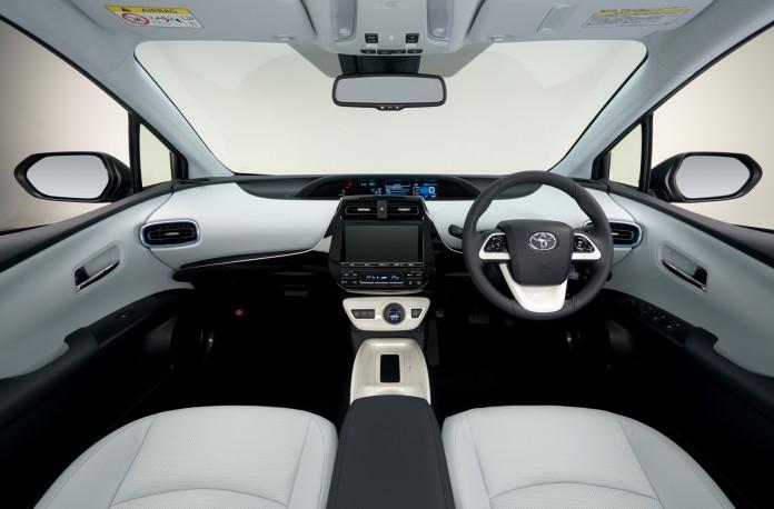 2016-Toyota-Prius-13