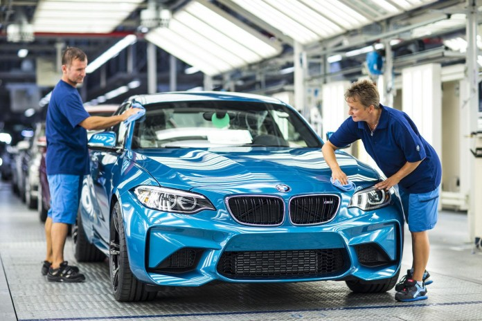 BMW M2 Coupe production (1)