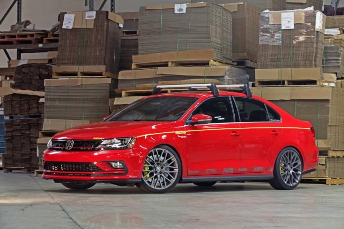 Volkswagen Jetta GLI MOMO Edition (1)
