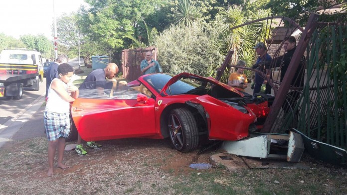 ferrari-458-spider-crashes-gate-bloemfontein-south-africa