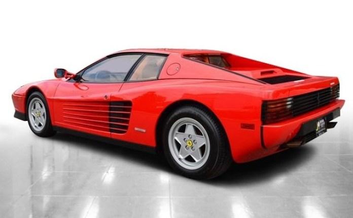 Ferrari-Testarossa-4