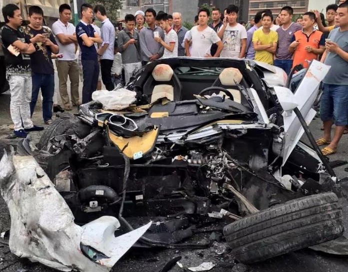 Lamborghini-Aventador-Crash-China-2