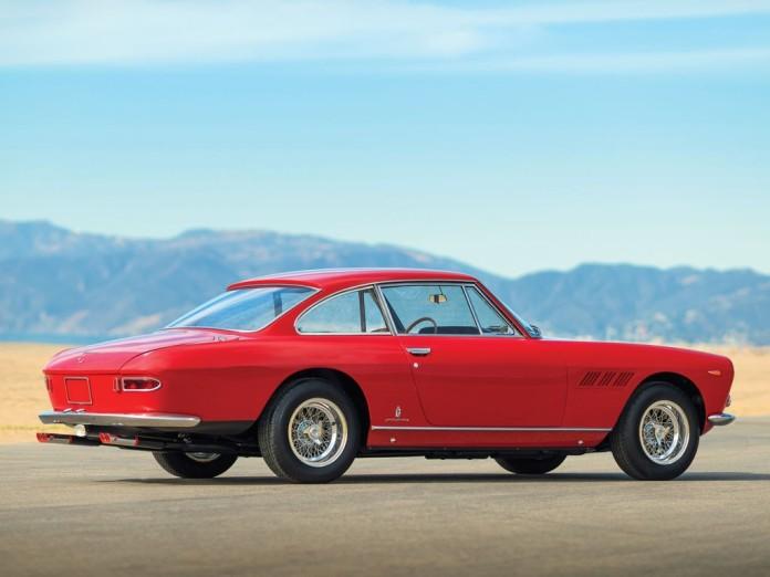 Ferrari_330_GT_2+2_02