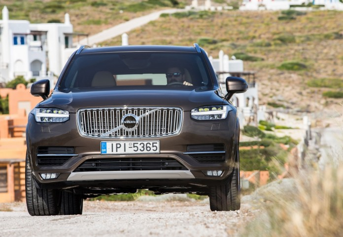 NEW-VOLVO-XC90-IN-GREECE_33