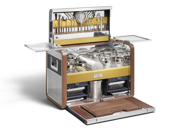 Rolls-Royce Cocktail Hamper (1)