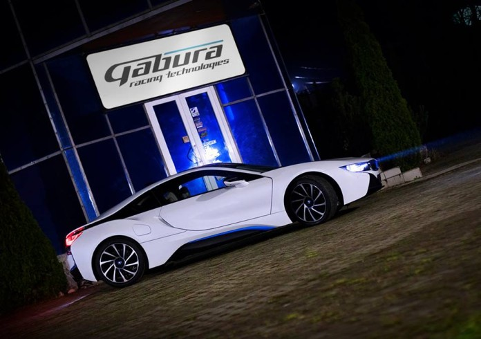 bmw-i8-gets-the-v8-transplant-we-were-all-rooting-for-thanks-to-german-tuner-gabura-102496_1
