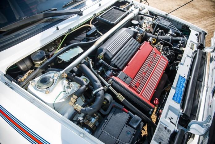 Lancia-Delta-HF-Integrale-Martini-Edition-9