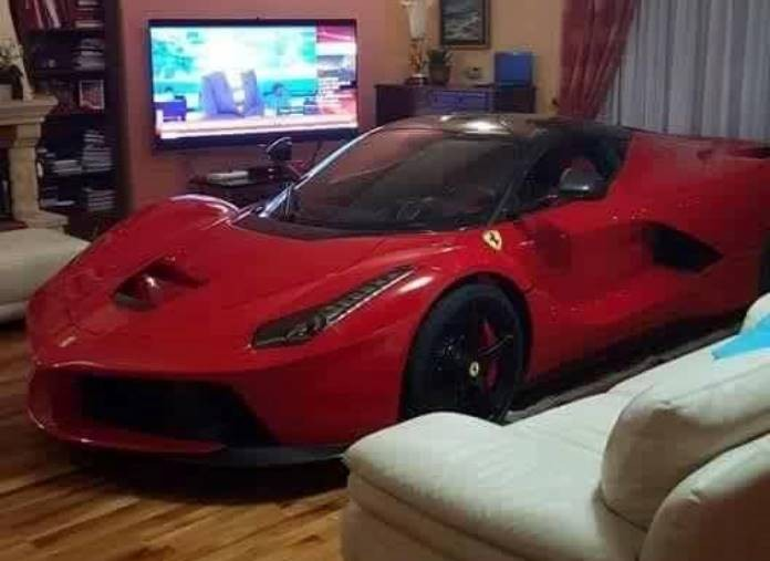 laferrari living room (2)