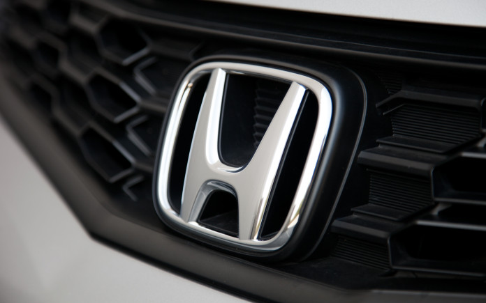 2012-honda-fit-badge-detailjpg